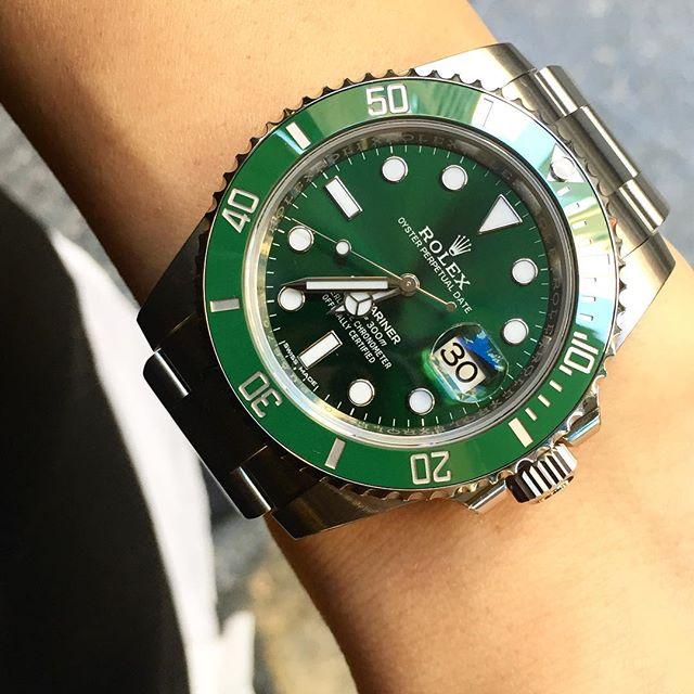 Rolex Submariner Ref. 116610LV, (c) Instagram @soloveitime