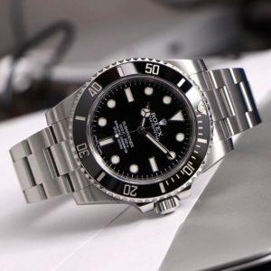 Rolex Submariner Ref. 114060, (c) Instagram @rolexdiver